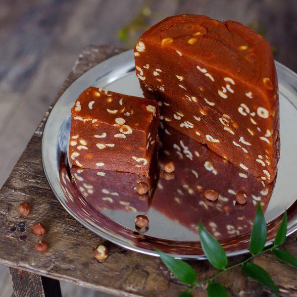Morkų lukumas su lazdyno riešutais ir kokoso riešutais (200 gr.)