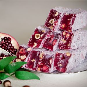 Pomegranate flavored KING Turkish delight with hazelnuts (200 G)