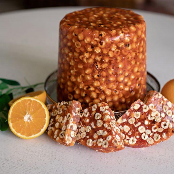 (Luxury) Apelsinų skonio Lukumas su lazdyno riešutais (200 gr.)