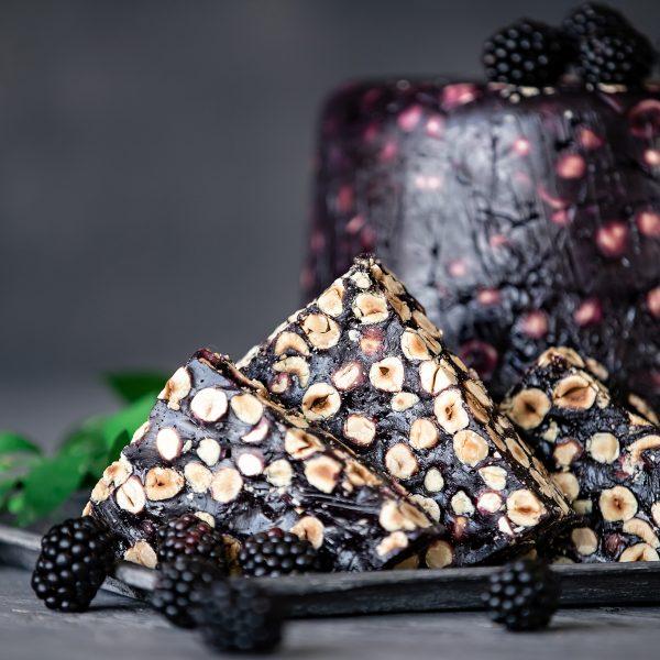 (Luxury) Gervuogių skonio Lukumas su lazdyno riešutais (200 gr.)